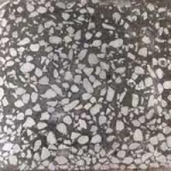Плитка бетонно-мозаичная размером 300х300 фракция мрамора 5-20 мм